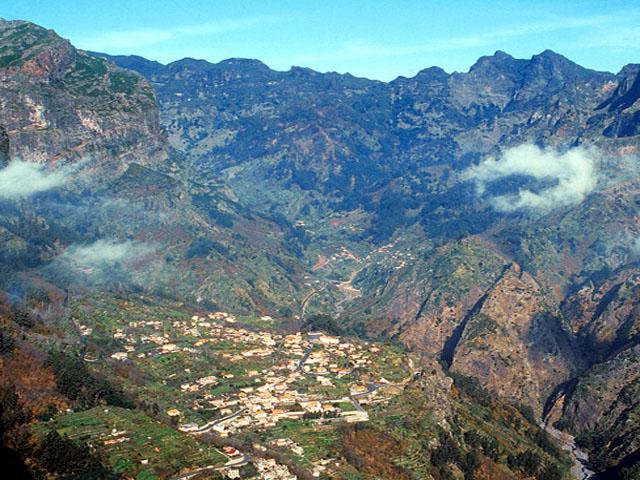 Madeira: Cur... Santana Live